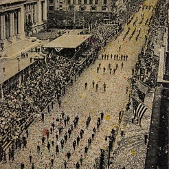 Fifth avenue, 65.000 marchers geschilderd door